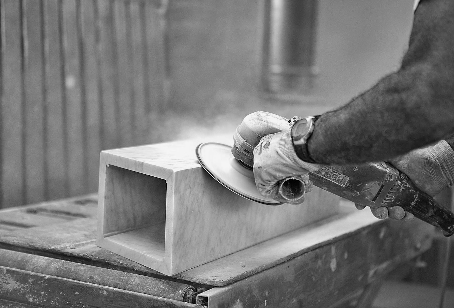 30 years experience,</br>knowledge of tradition and</br>culture of marble manufacturing